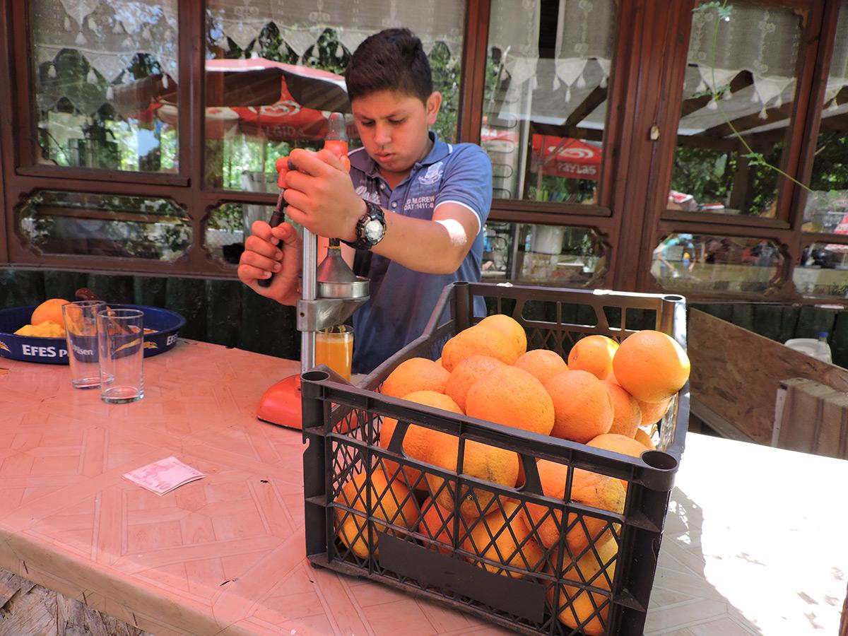 чирали-апельсиновый-сок